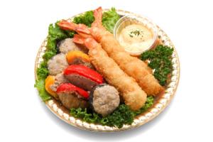 エビフライと季節野菜の肉詰め